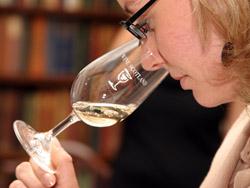 Serious wine nosing