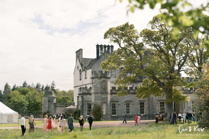 Summer Wedding - guests at Winton House, near Edinburgh